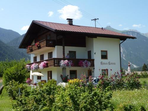 Haus Lorea, Nassereith
