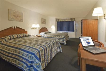 Photo of America's Best Value Inn Hotel Bed and Breakfast Accommodation in Corona California