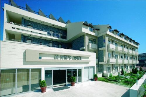 La Vita's Hotel