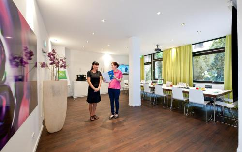 Ibis Styles Frankfurt City photo 32