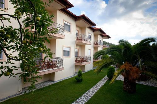 Yiouli Hotel