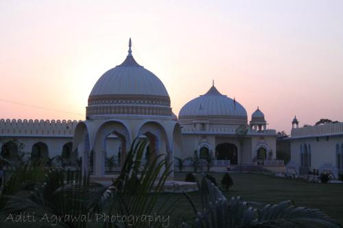 V Resorts RajMahal