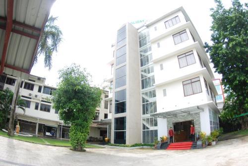 Holiday Hotel, Yangon