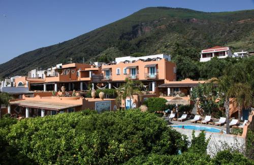 Hotel Mamma Santina front view