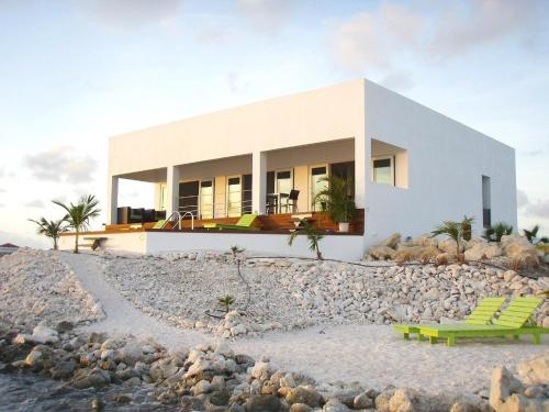 Bonaire Sunset Beach House