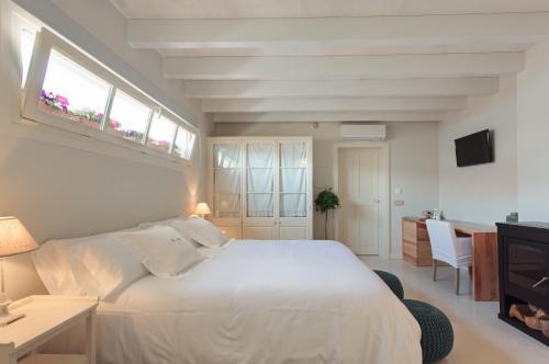 Comfort Double or Twin Room Jardí de Ses Bruixes Boutique Hotel 1