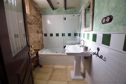 Habitación Doble - 1 o 2 camas - Uso individual Hotel Rustico Lugar Do Cotariño 11