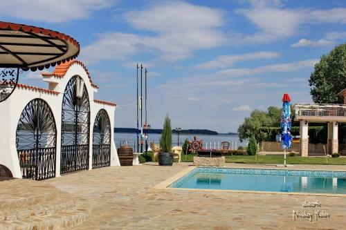 Danube Pearl Hotel