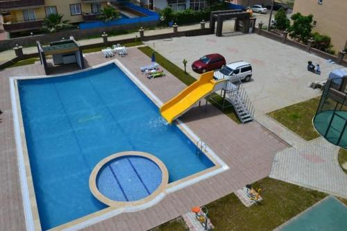 Piscina Orange City I