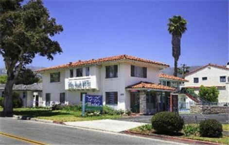 Photo of Blue Sands Motel Hotel Bed and Breakfast Accommodation in Santa Barbara California