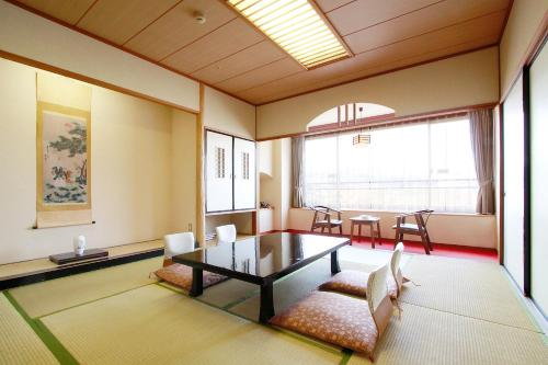 Japanese-Style Room - Main Building - Smoking