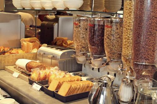 Hotel Des Bains - H U00f4tel  19 Rue Georges Clemenceau 50400 Granville