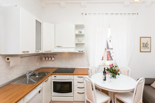 Apartment Antonikola