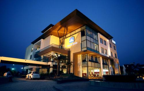 Best Western Country Woods