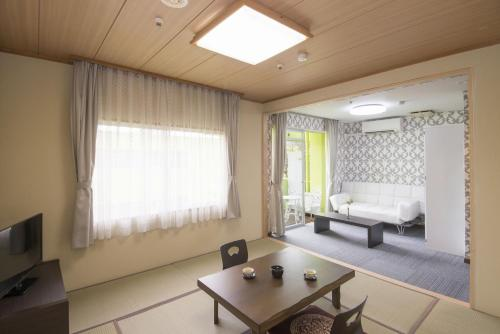 Japanese-Style Room  with Garden View with Terrace and Shared Bathroom - Non-Smoking