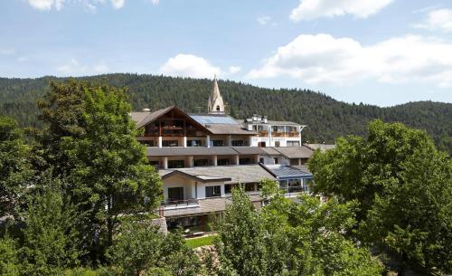 Hotel Zum Löwen - Al Leone front view