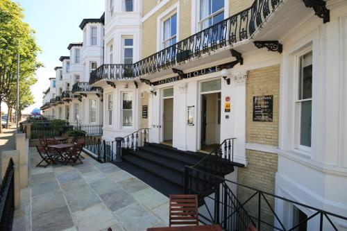 Andover House Hotel & Restaurant (B&B)