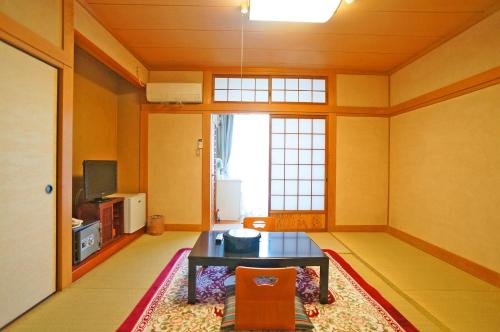 Japanese-Style Basic Room with Shared Bathroom