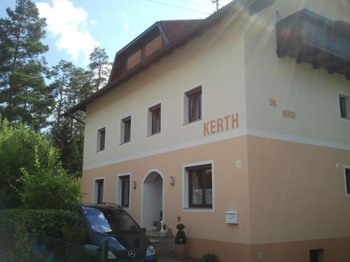 Ferienwohnung Kerth - Apartment mit 1 Schlafzimmer und Balkon