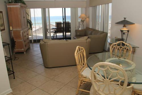 Windward Pointe 306