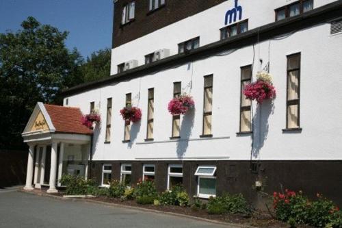 Monton House Hotel,Eccles