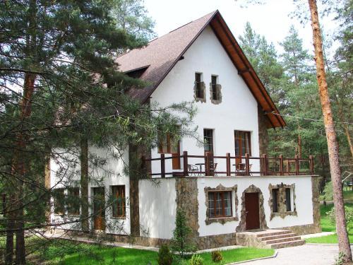 Pershyi Kordon Tourist Complex, Medvedevka