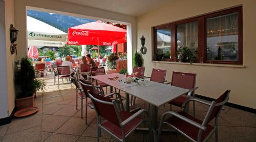 Dorf Café