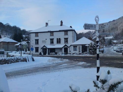 Photo of Glyn Valley Hotel Hotel Bed and Breakfast Accommodation in Llansantffraid Glyn Ceiriog Denbighshire