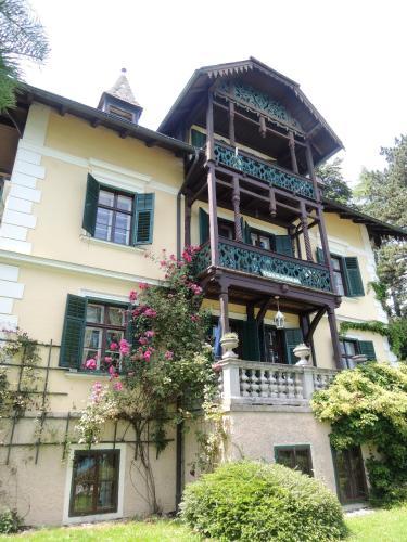 Villa Helena - Apartment mit Balkon