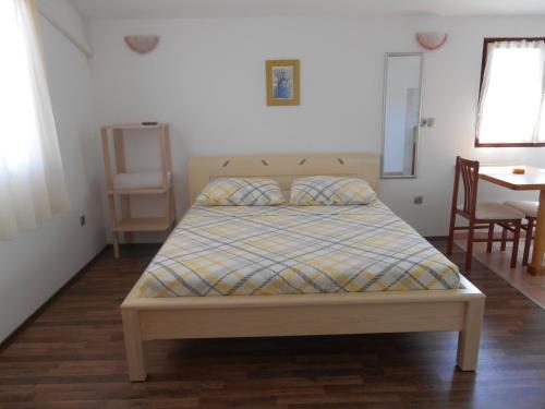 Apartments Brešan