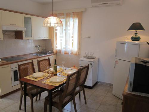 Apartment Tisno Residence