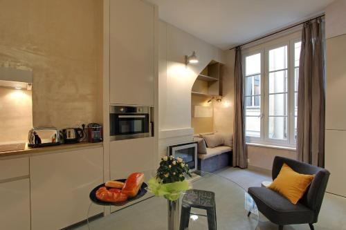 Parisian Home - Montorgueil