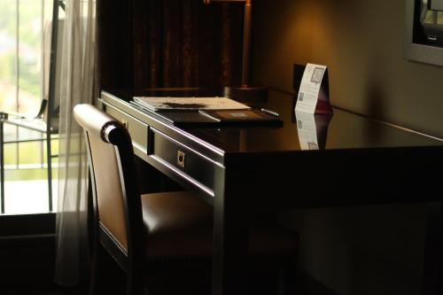 Habitación Doble Estándar - 1 o 2 camas - Uso individual Hotel Castillo de Gorraiz Golf & Spa 3