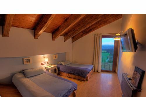 Double or Twin Room Hotel La Casa Del Rio 7