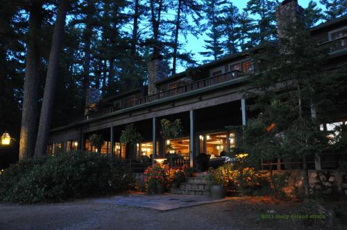 Migis Lodge
