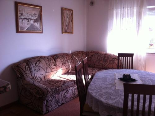 Apartment Višnja