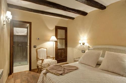 Habitación Doble Estándar - No reembolsable Hotel Real Posada De Liena 2