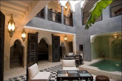 Swimming pool Riad Alamir