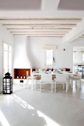 Elia White Residence