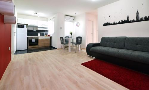 Quatric Apartments