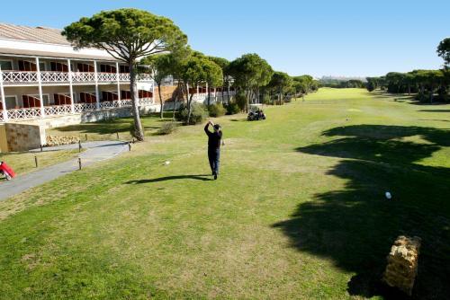 Zweibettzimmer mit Green Fee Hotel Nuevo Portil Golf 3