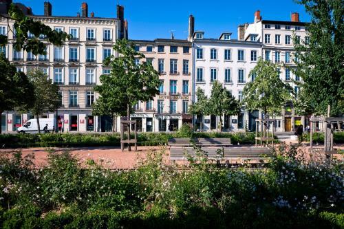 Bayard bellecour h tel 23 place bellecour 69002 lyon for Hotels 69002 lyon