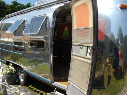 caravane airstream am ricaine 1976 les sorinieres western loire rentals. Black Bedroom Furniture Sets. Home Design Ideas