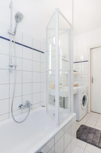 Glockenbach Apartment photo 30