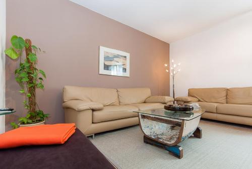 Glockenbach Apartment photo 36
