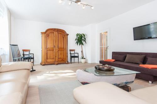 Glockenbach Apartment photo 40