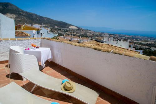 Double or Twin Room with Private Terrace and Sea View Hotel La Fonda 17