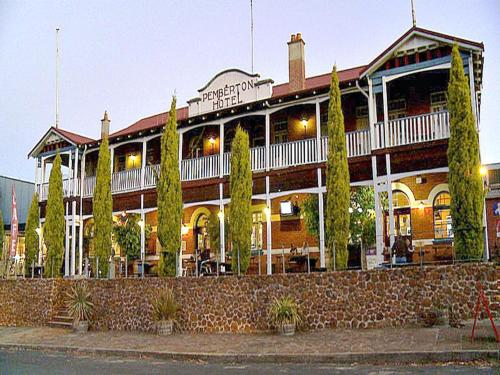 Picture of Best Western Pemberton Hotel