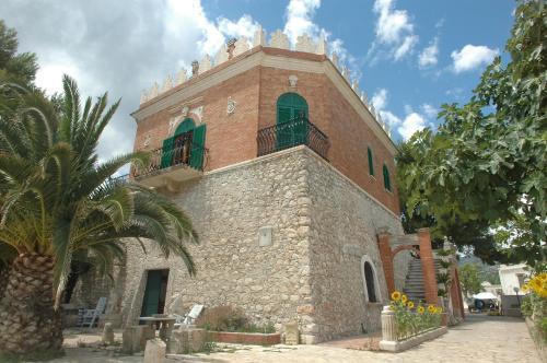 B & B Torre Saracena front view