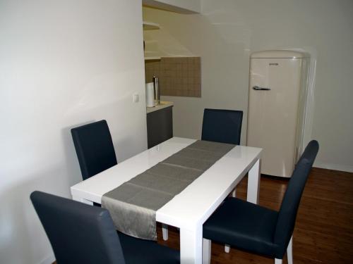 Apartment Summertime
